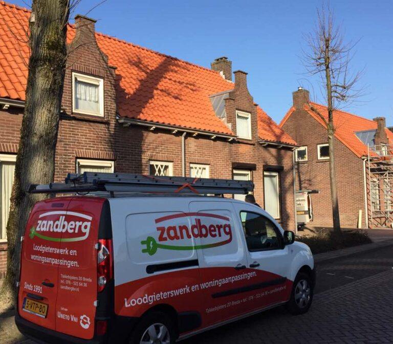Zink en dakbedekking me Zandberg bedrijfswagen, Fels Banen 5, Rijen - Zandberg B.V.
