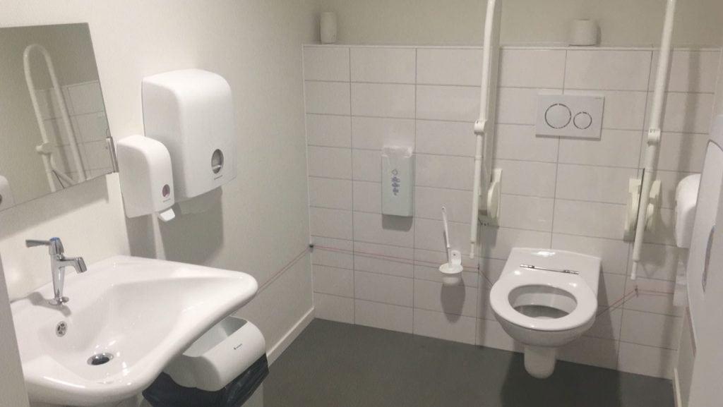 Badkamerrenovatie badkamer, Huisartsenpraktijk Ginneken, Breda - Zandberg B.V.