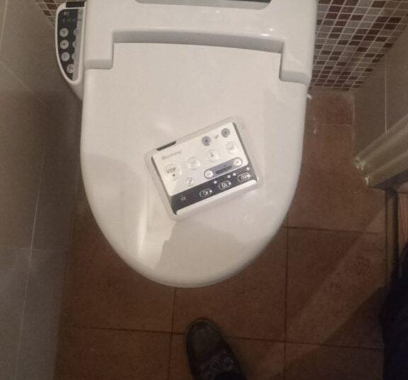 Toiletrenovatie Douche Fohn toilet dicht, Plantsoen 62, Prinsenbeek - Zandberg B.V.