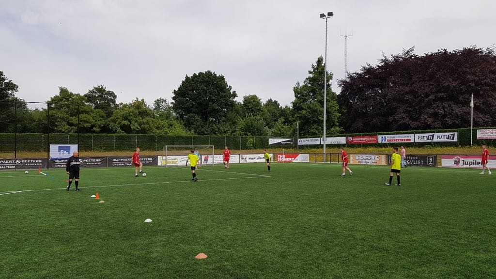 Bouwvakkers voetbaltoernooi, training - Zandberg B.V.