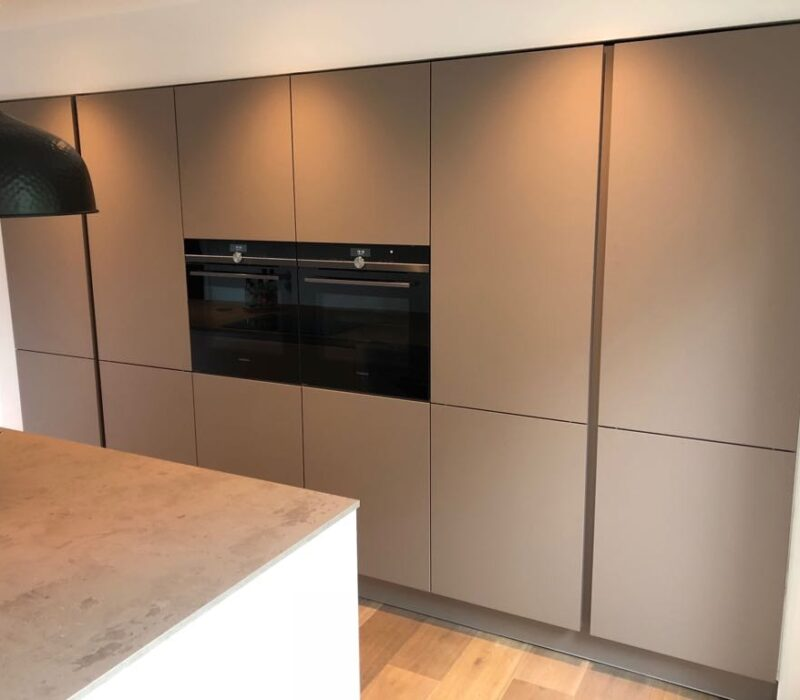 Keukenrenovatie eindresultaat opbergkasten, Teteringen - Zandberg B.V.