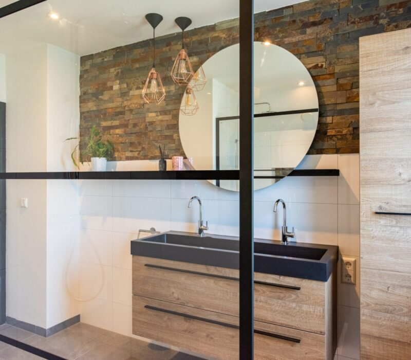 Badkamer zwart staal design | Zandberg BV Loodgieter