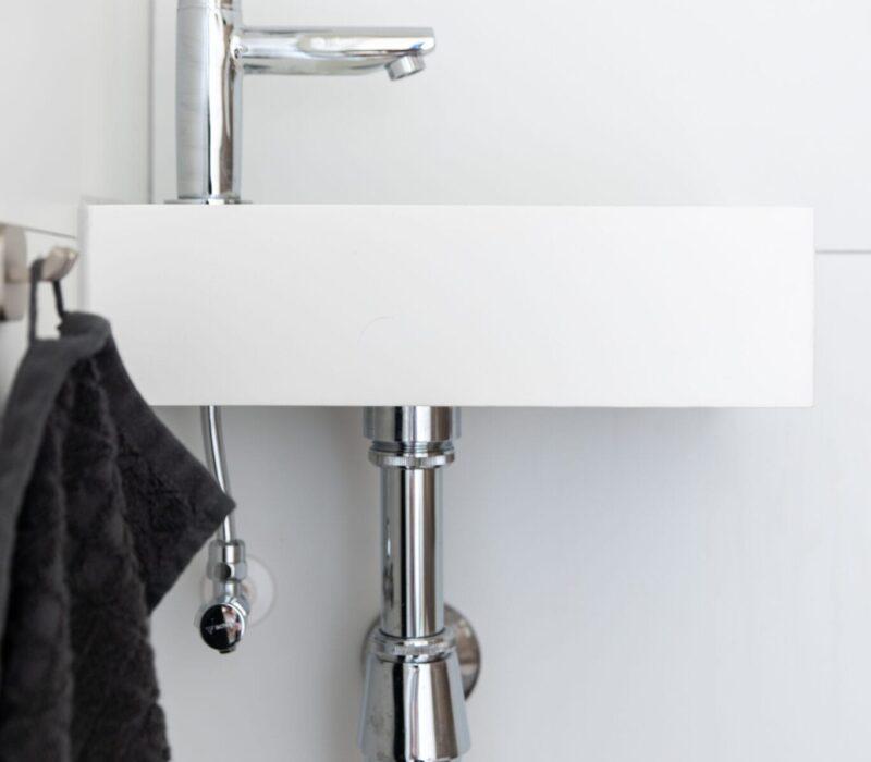 Badkamerrenovatie Etten-Leur kraan toilet - Zandberg BV